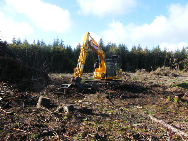 Dunn 2000 Operated Plant Hire